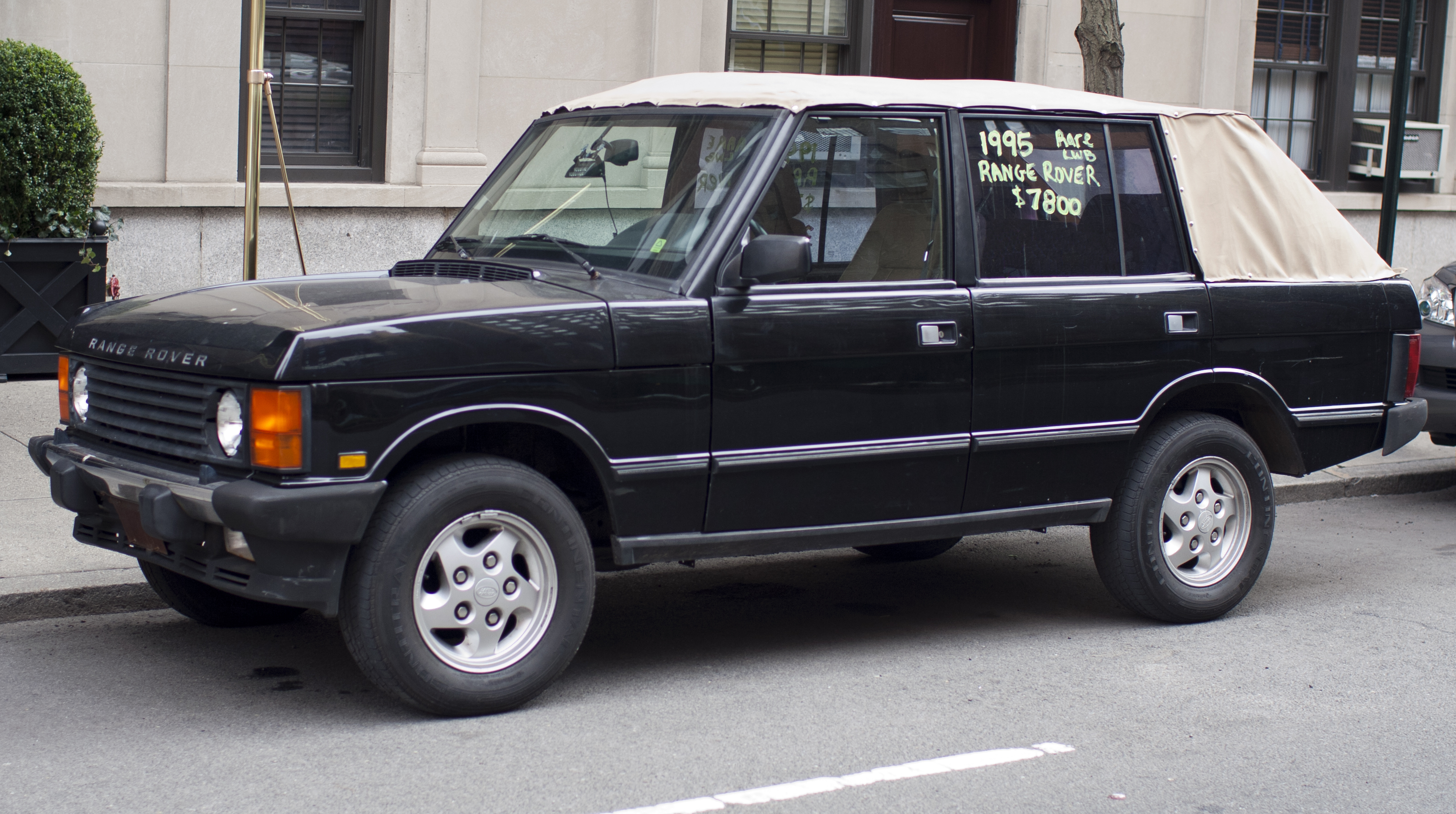 1995_Range_Rover_County_convertible.jpg