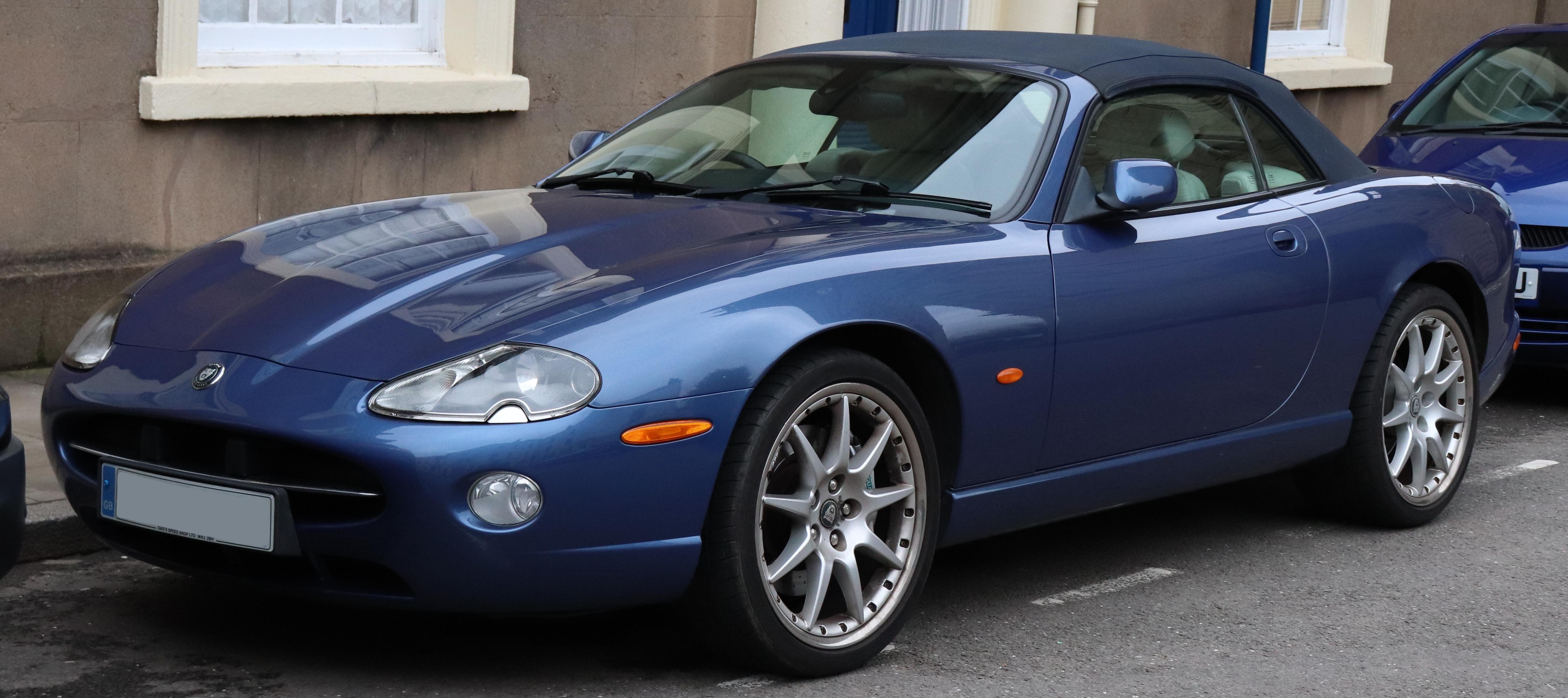 File:2005 Jaguar XK8 Convertible Automatic 4 2 Front jpg