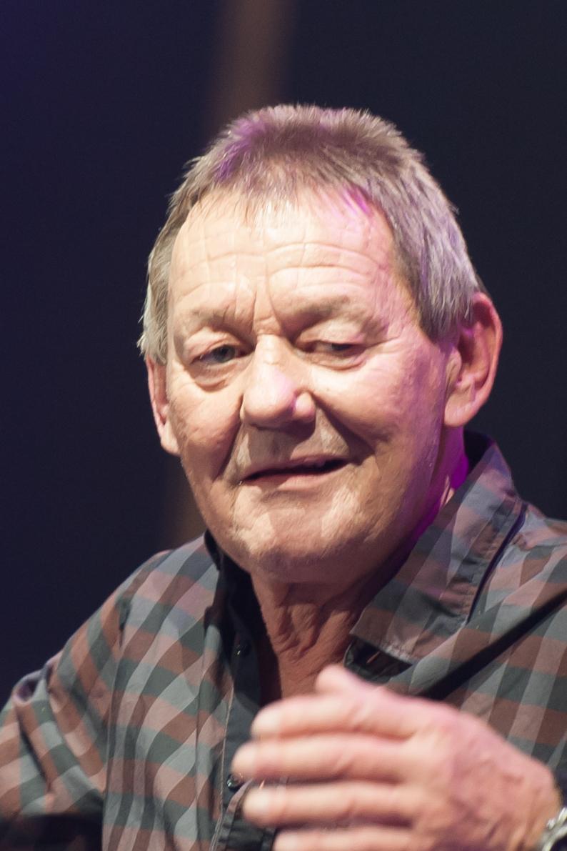Wolfgang Ambros Größe