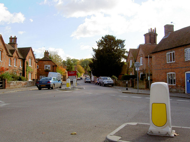 Aldermaston Village - geograph.org.uk - 599145