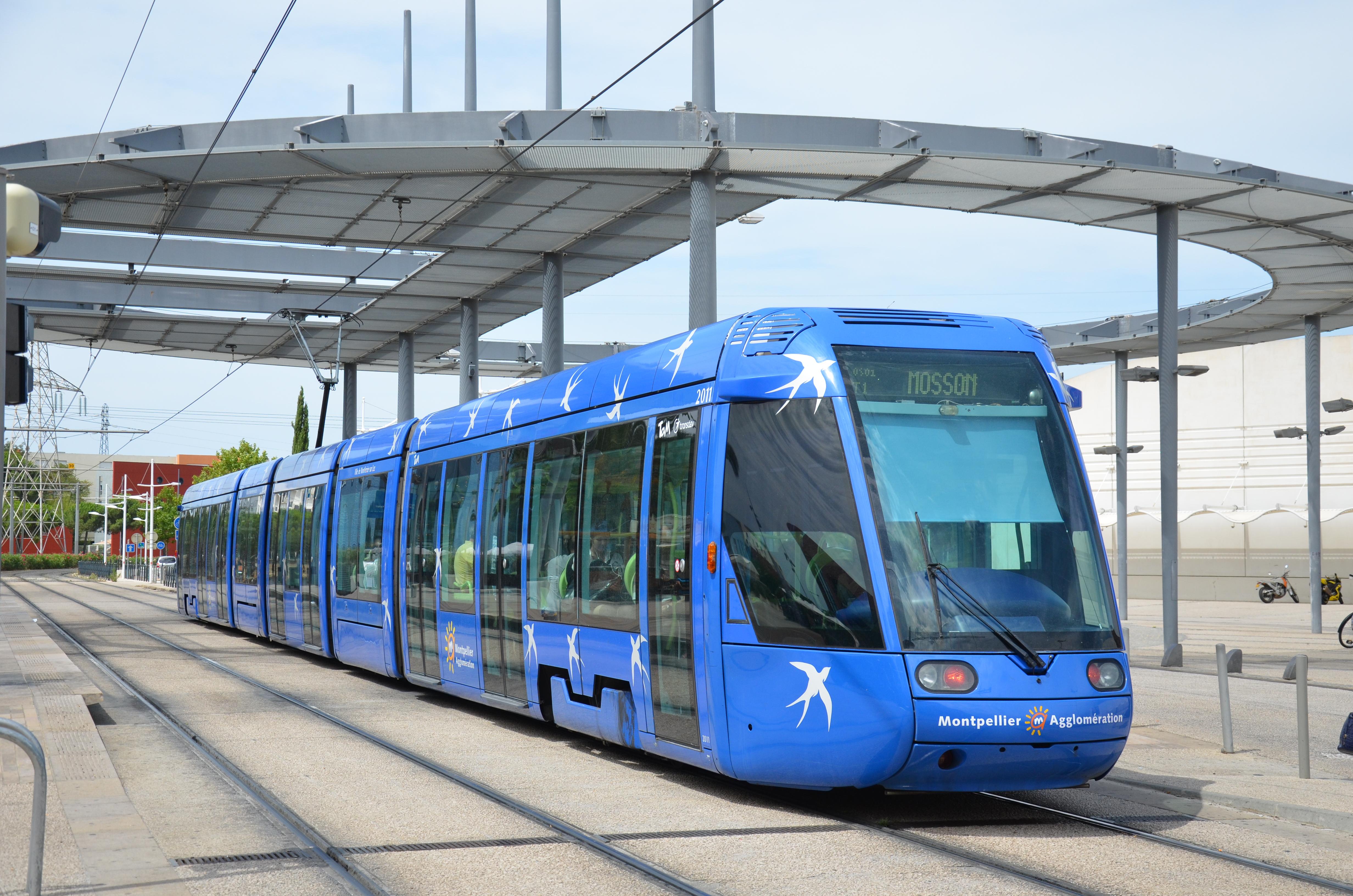 File alstom citadis 401 n 2011 tam place de for Garage du tram villeurbanne