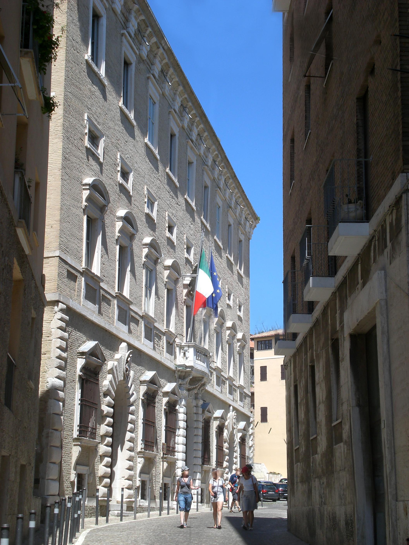 Al Giardino Ancona palazzo ferretti - wikipedia