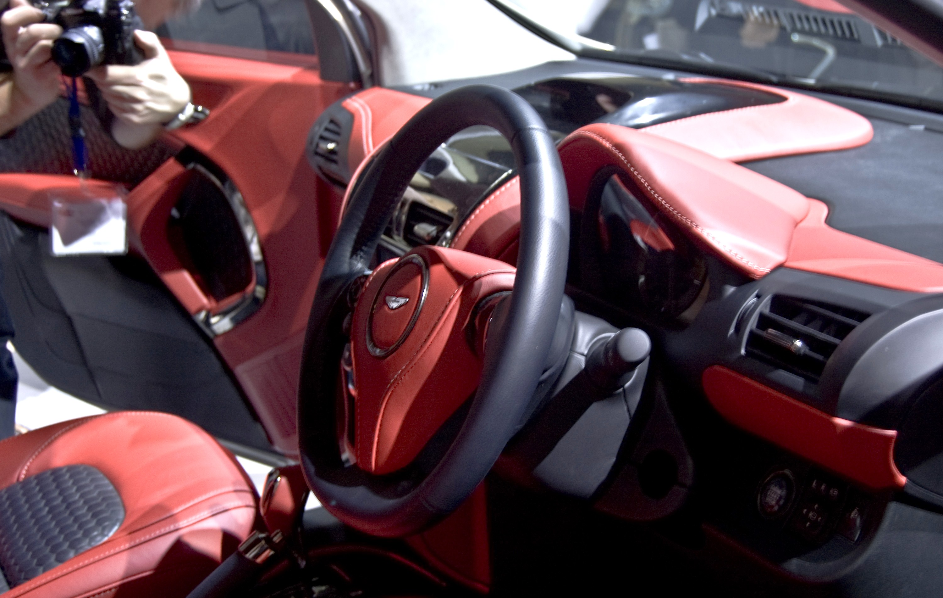 file:aston martin cygnet dashboard - wikimedia commons