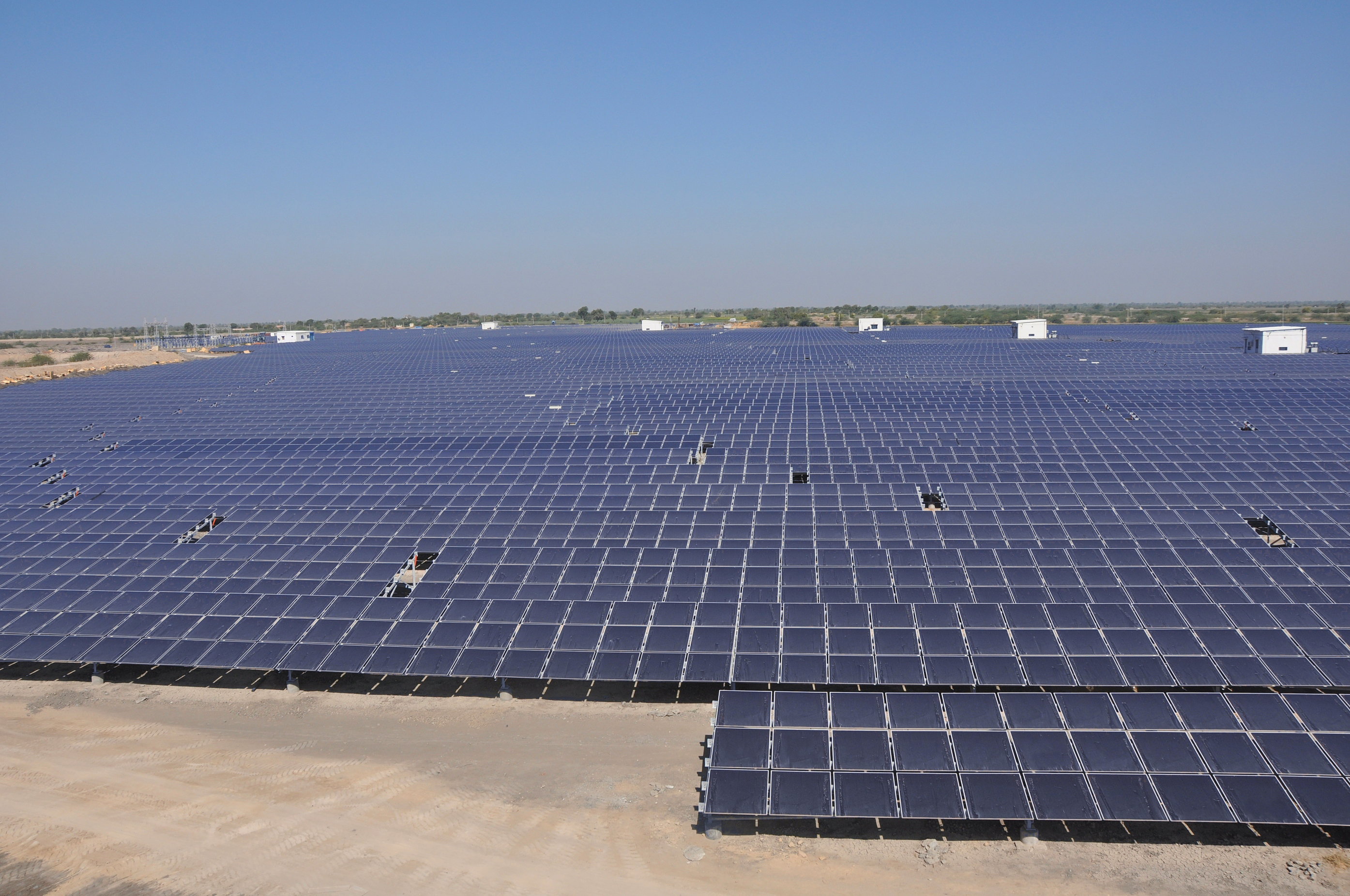 File Astonfield 11 5mw Solar Plant Gujarat Jpg Wikimedia
