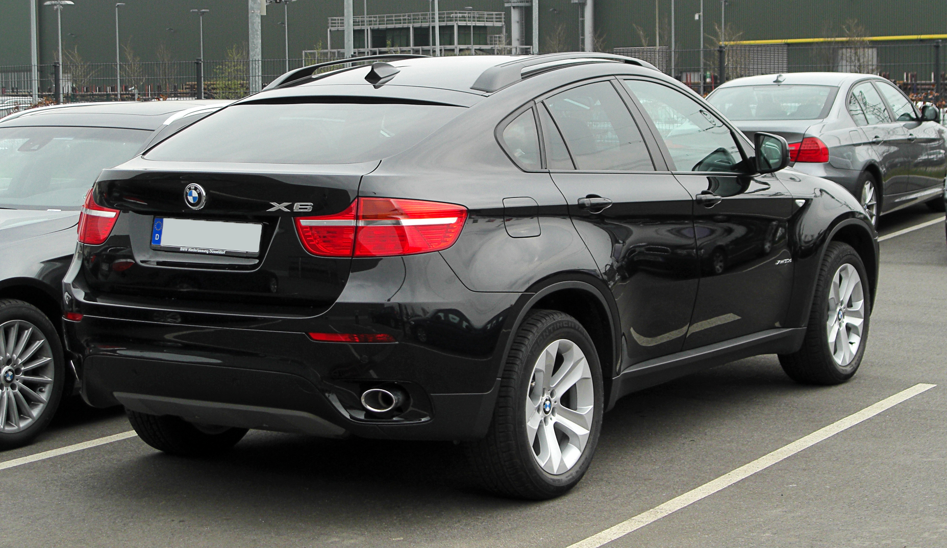 file bmw x6 xdrive30d e71 heckansicht 26 m rz 2011 d wikimedia commons. Black Bedroom Furniture Sets. Home Design Ideas