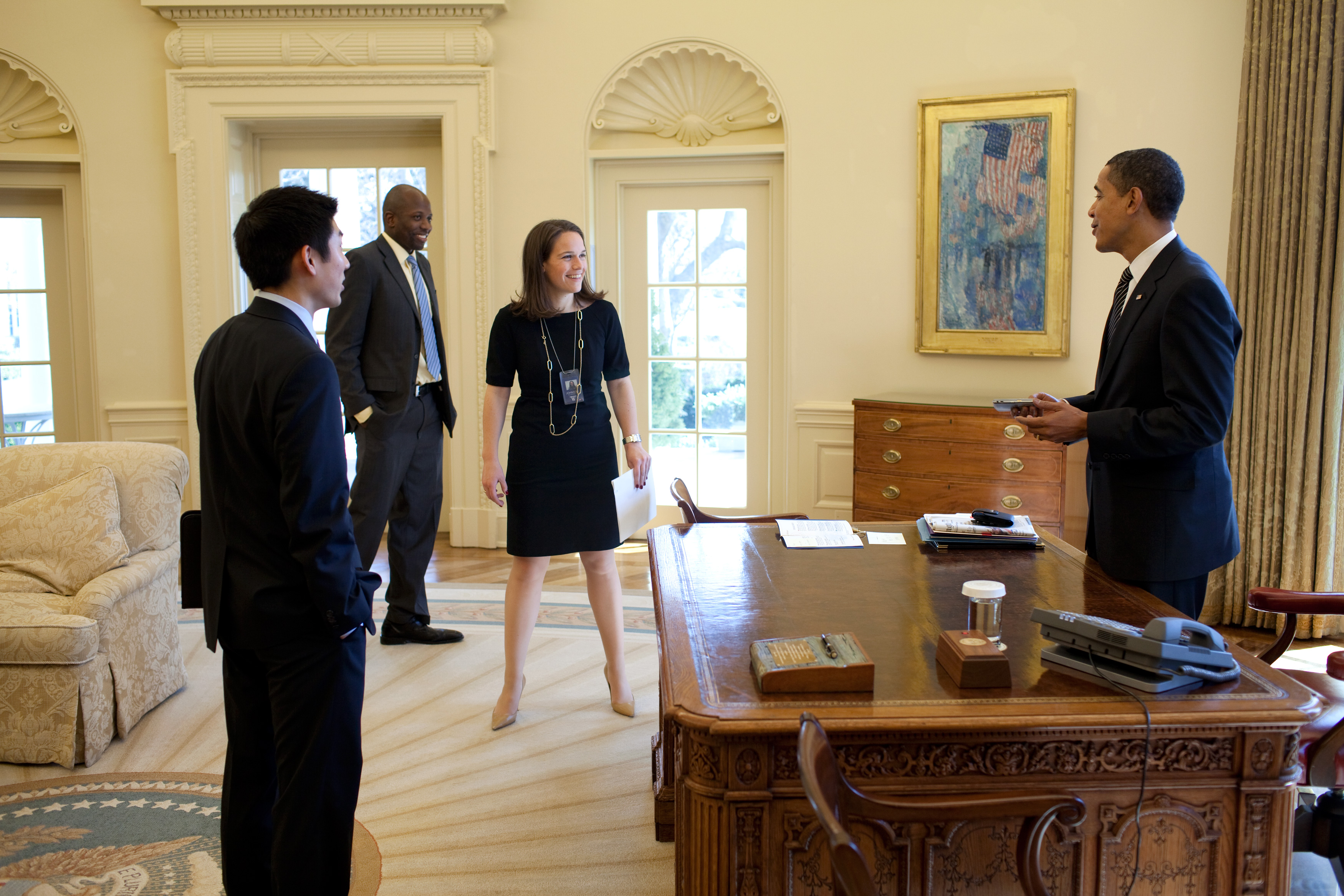 File:Barack Obama, Eugene Kang, Katie Johnson and Reggie Love in the ...