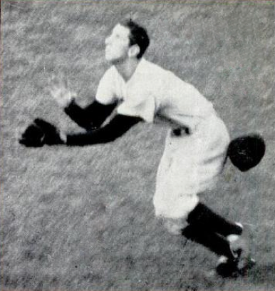 Martin's game-saving catch of Jackie Robinson's popup in Game 7 of the 1952 World Series. Billy Martin 1952 World Series catch.png