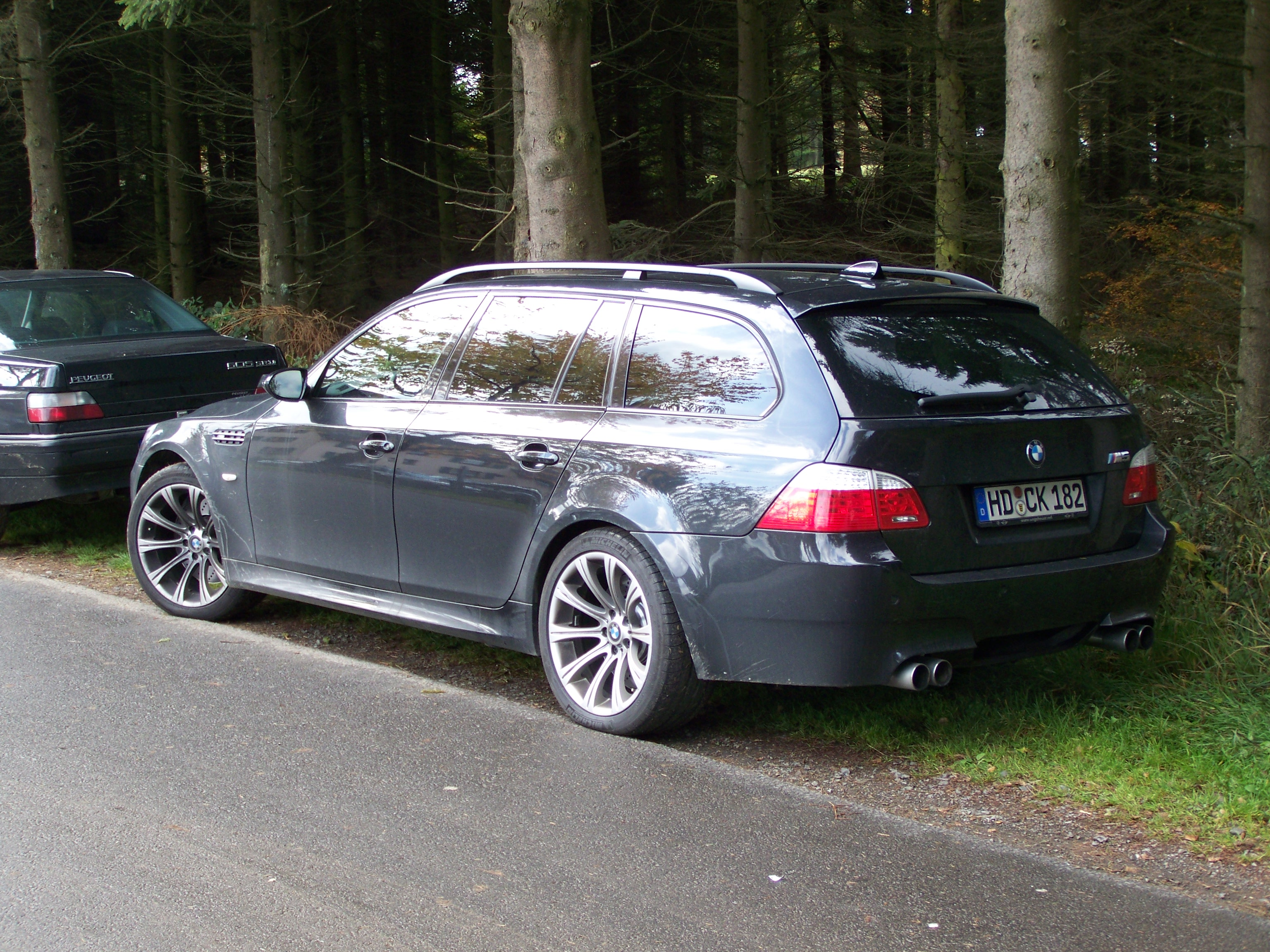 file black bmw m5 touring e61 rl wikimedia commons. Black Bedroom Furniture Sets. Home Design Ideas