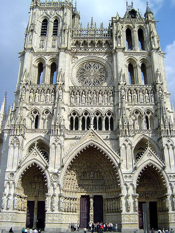 File cathedral of amiens wikimedia commons for Architecture gothique