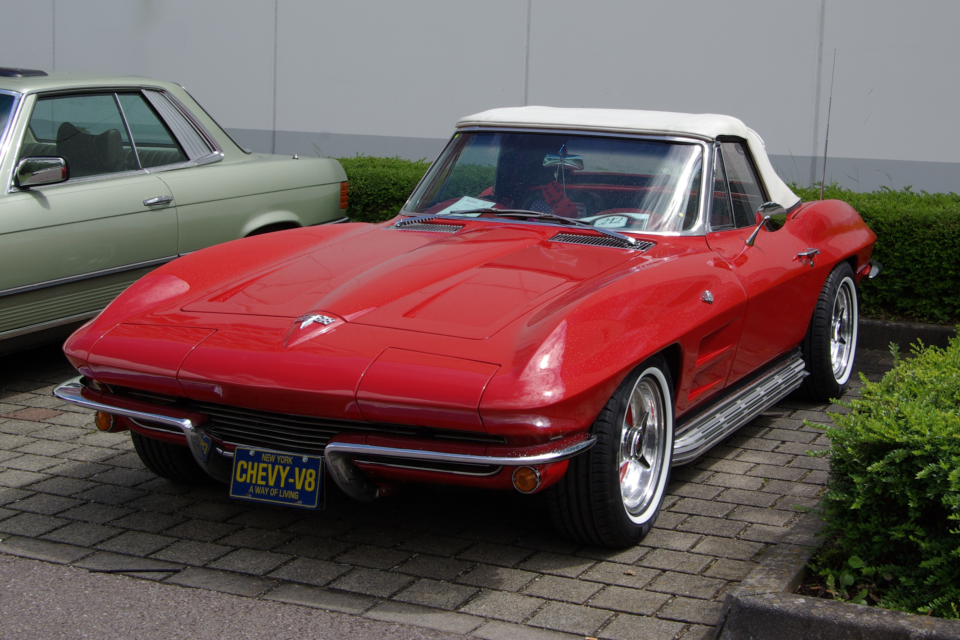Chevrolet Corvette (C2) - Wikipedia