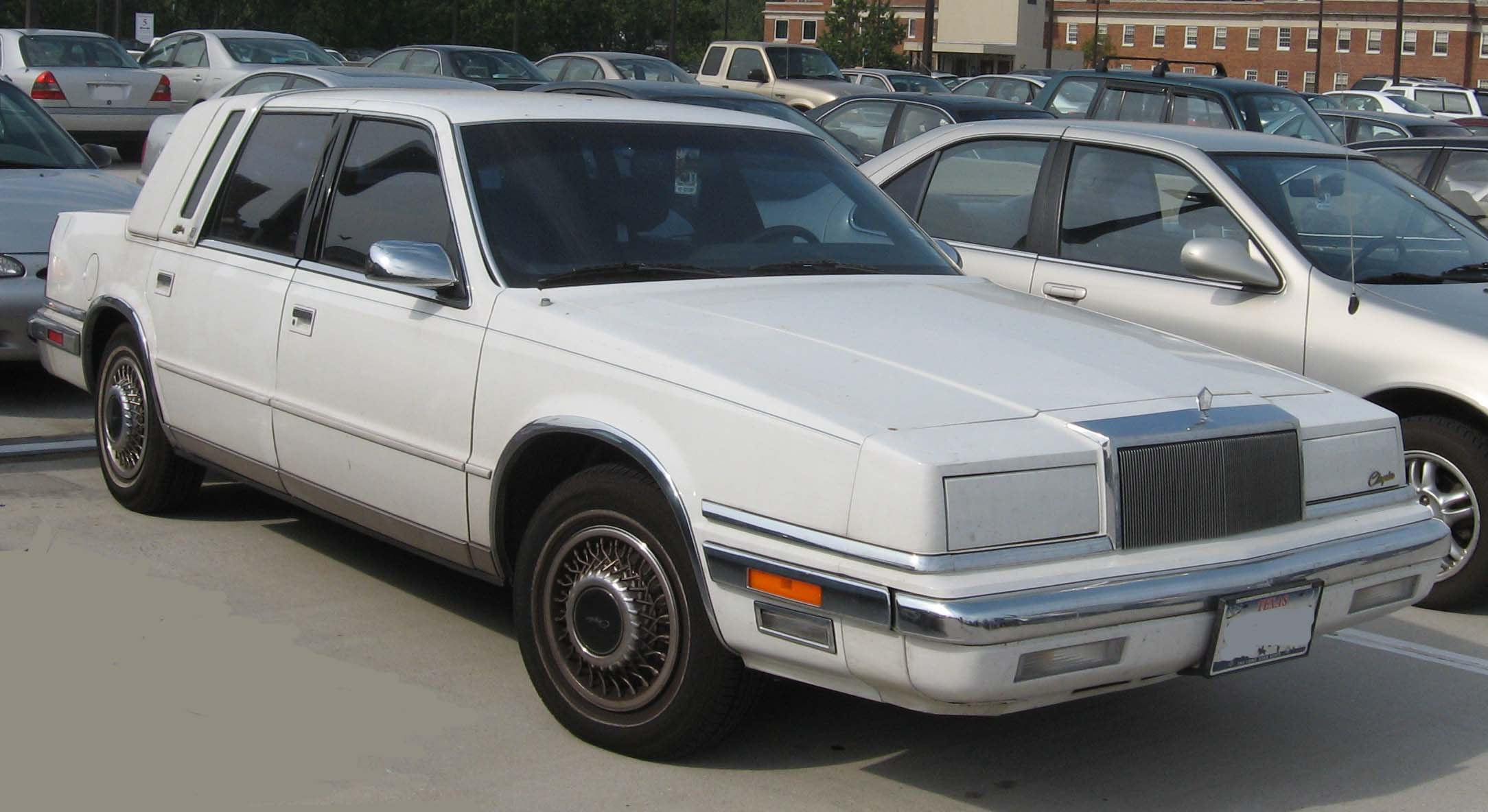 File chrysler new wikimedia commons for 1990 chrysler new yorker salon