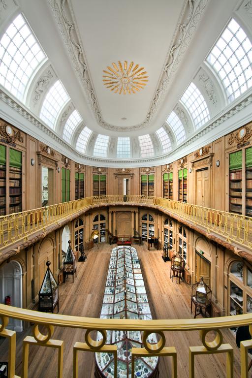 De Ovale Zaal van Teylers Museum (1784).jpg