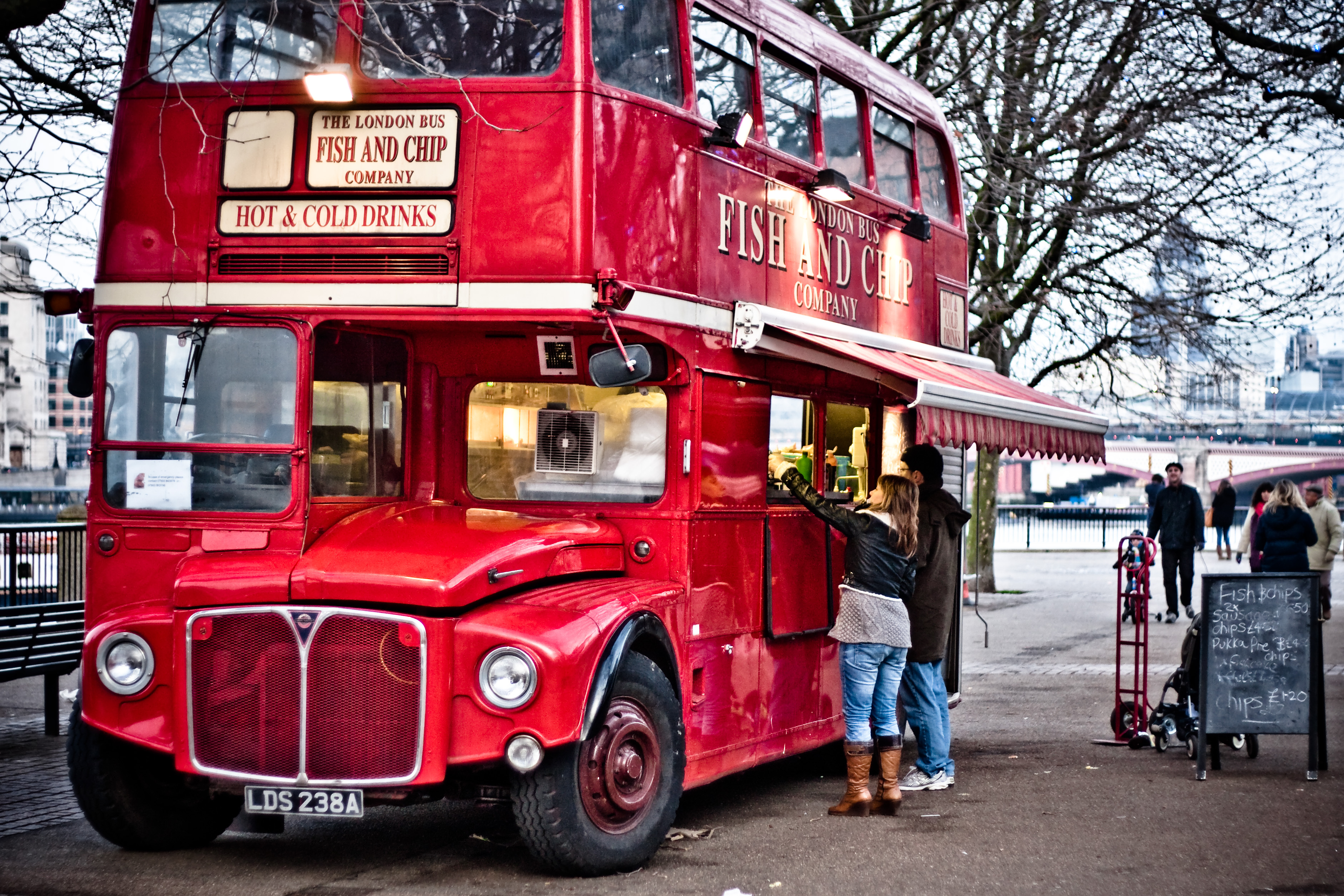 http://upload.wikimedia.org/wikipedia/commons/f/f1/Fish_%26_Chip_Routemaster_%282%29.jpg