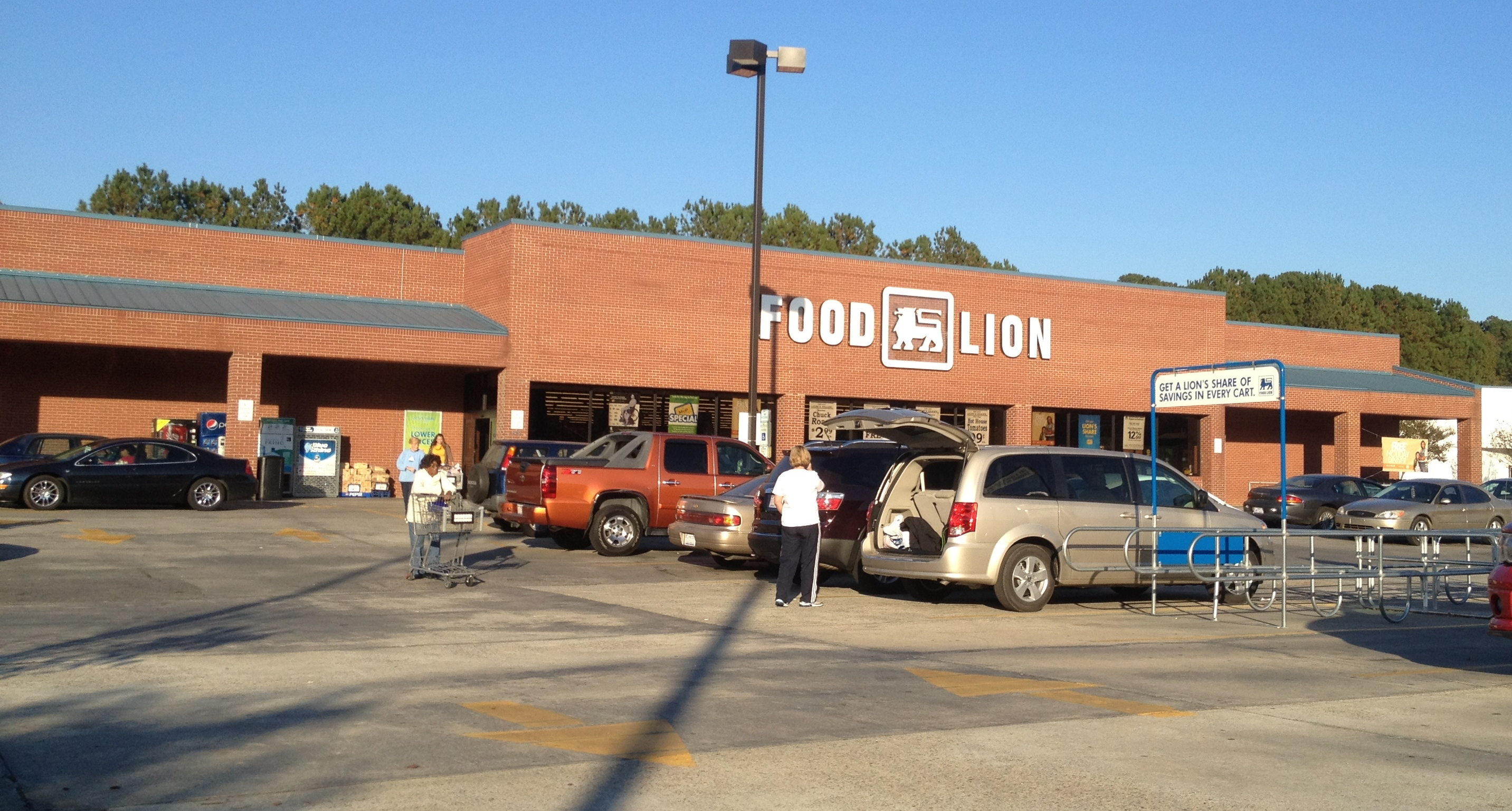 Is Food Lion Open On Easter