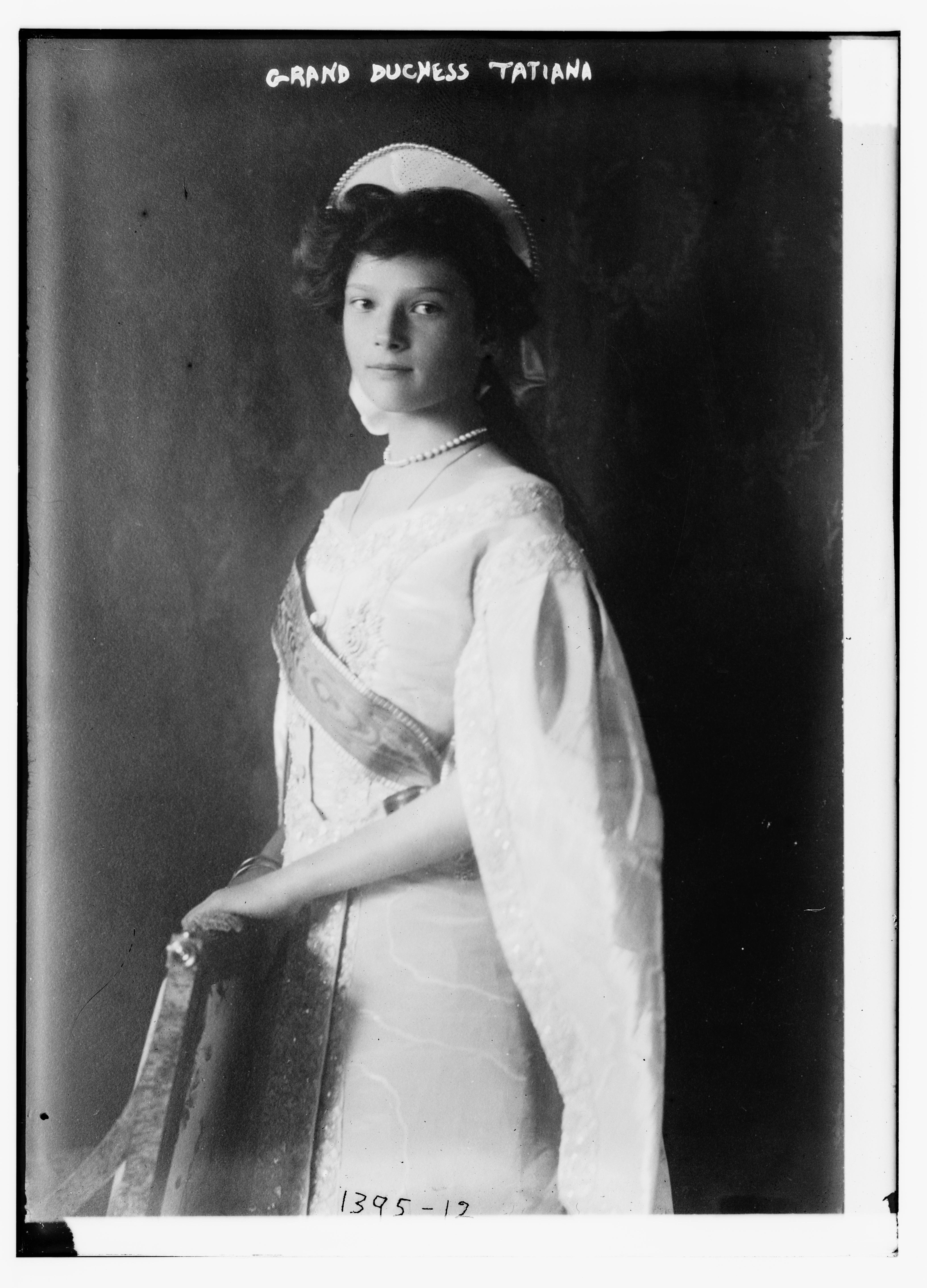 File Grand Duchess Tatiana In Court Dress 1910 Jpg