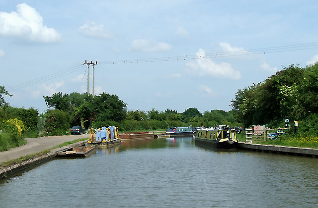 Grand Union Canal, Long Buckby, Northamptonshire - geograph.org.uk - 861309