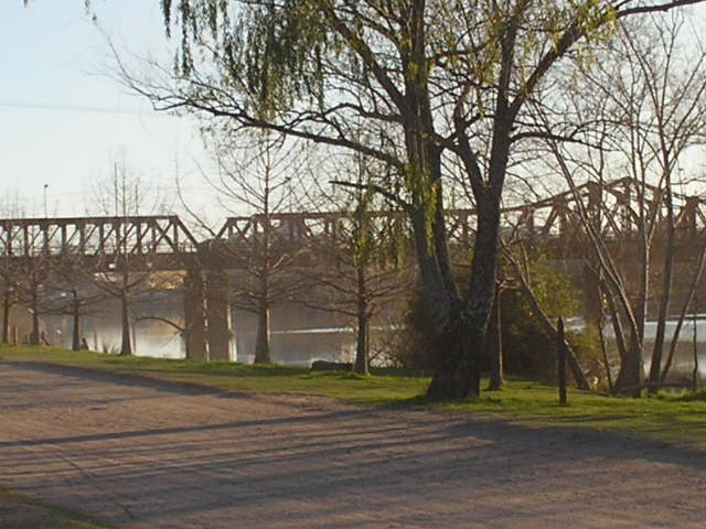 Gualeguaychu bridge.jpg