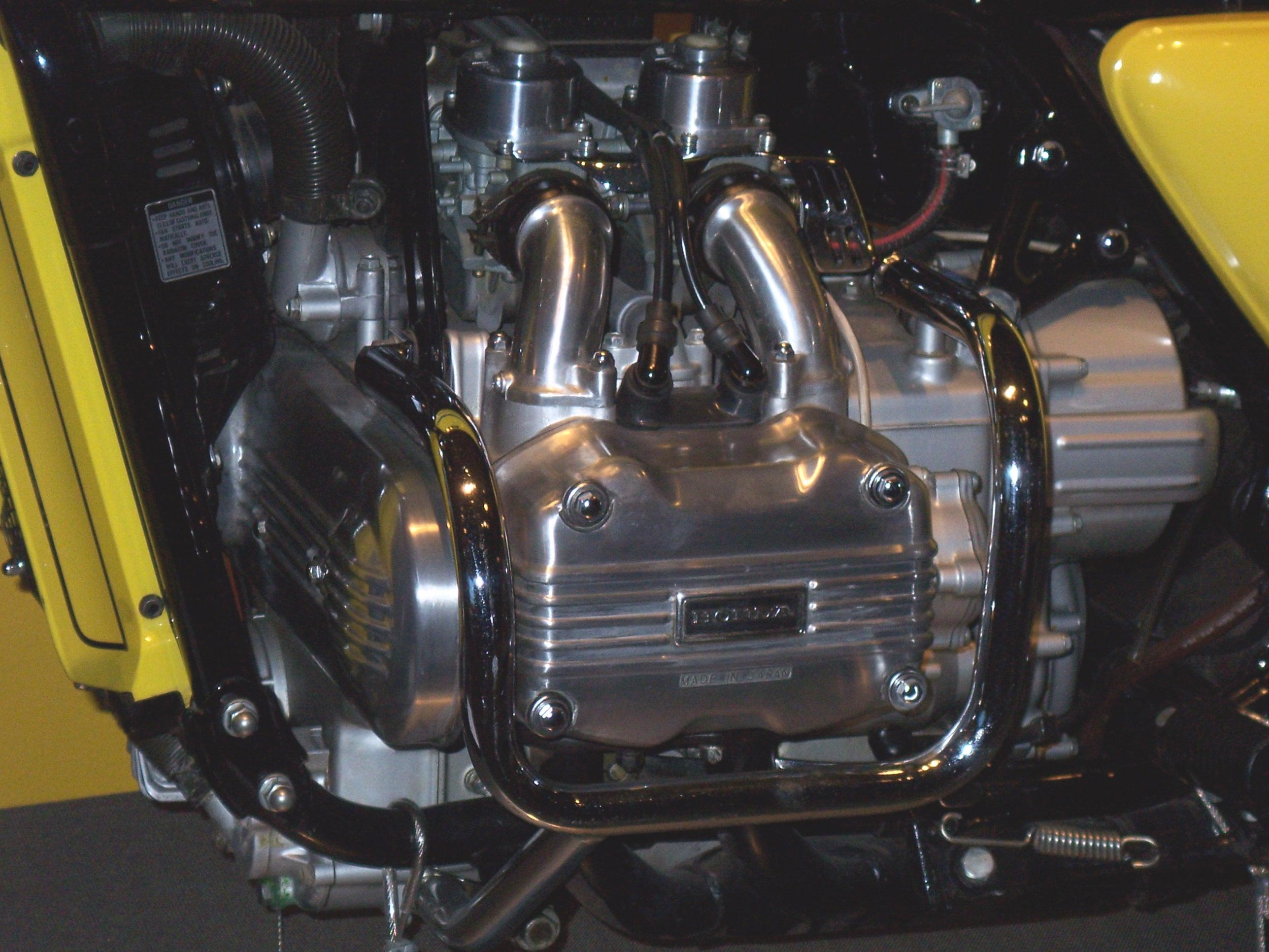 honda gl1000 engine internal diagram rotary engine internal diagram file:honda goldwing gl1000 engine closeup.jpg - wikimedia ...