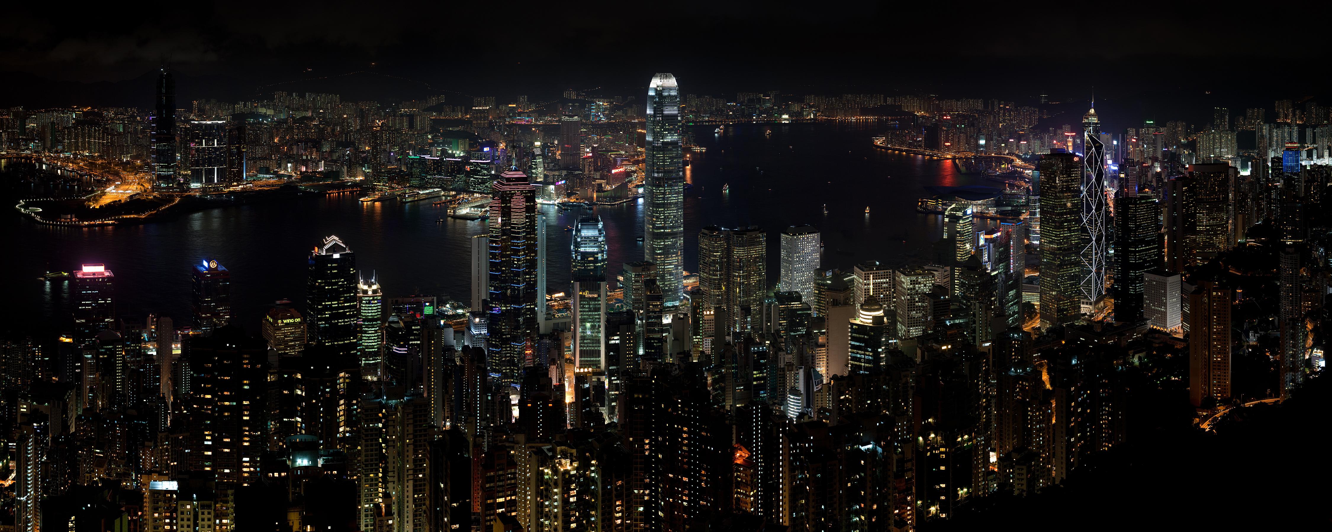 Hong_Kong_Night_Skyline_v2.jpg