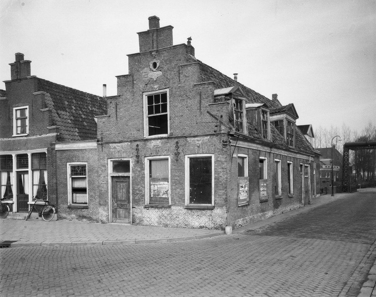 File huis de zwaan exterieur vooraanzicht workum 20217350 wikimedia commons - Huis exterieur ...