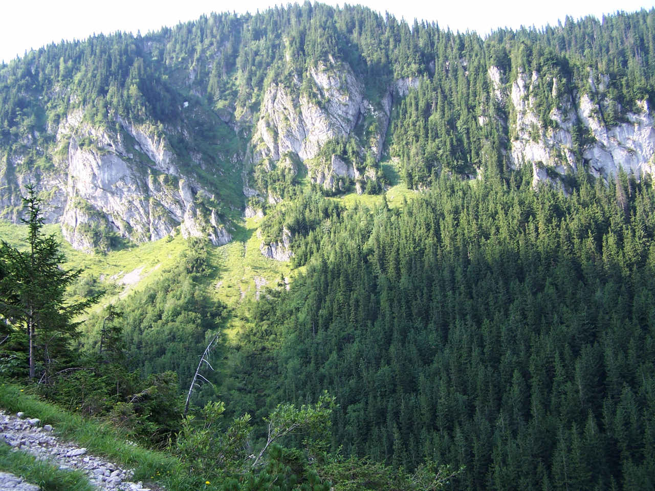 Jaworzyńskie Turnie (źródło: Wikimedia)