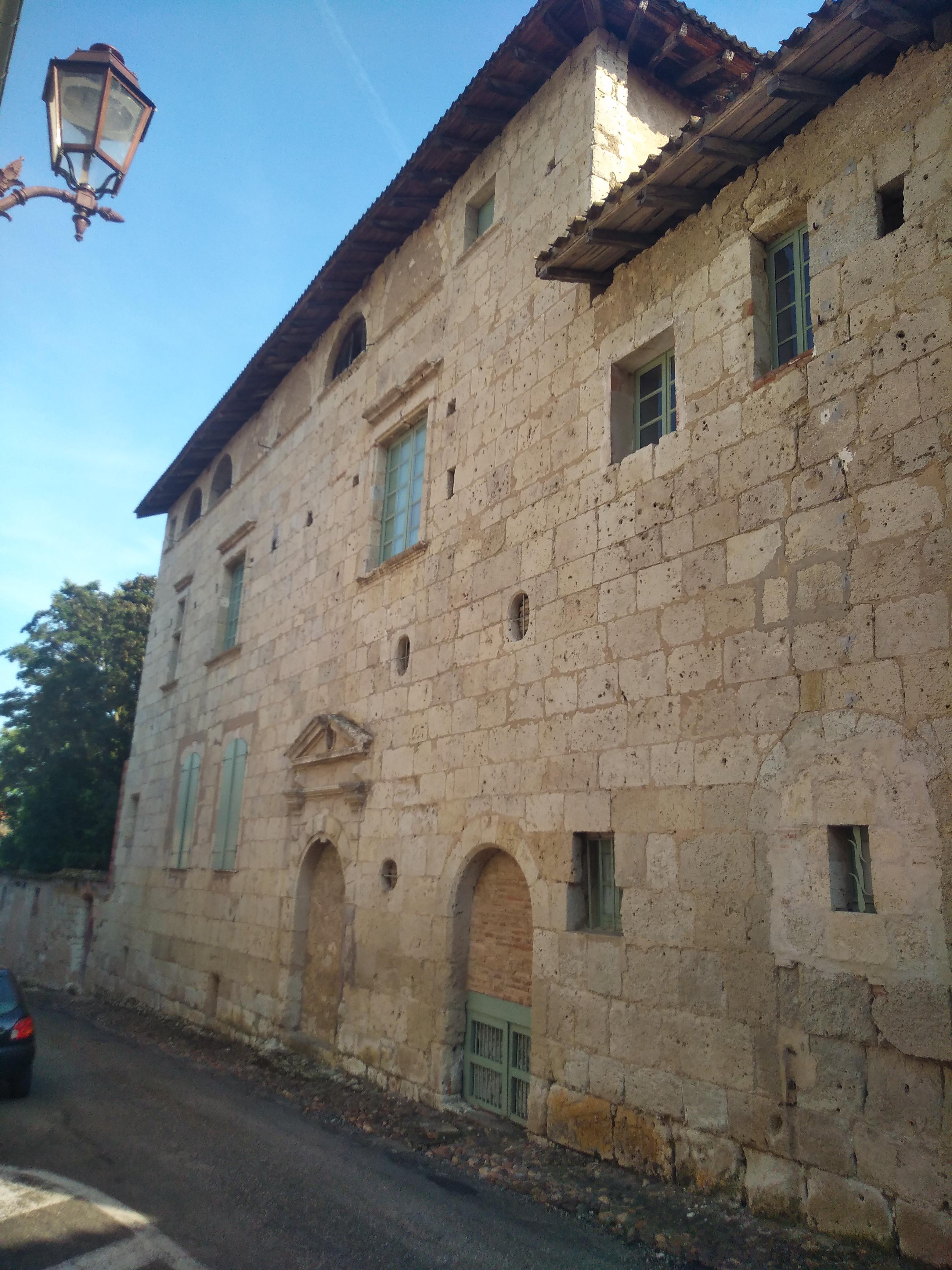 File:Larrazet - maison ancienne 02.jpg - Wikimedia Commons