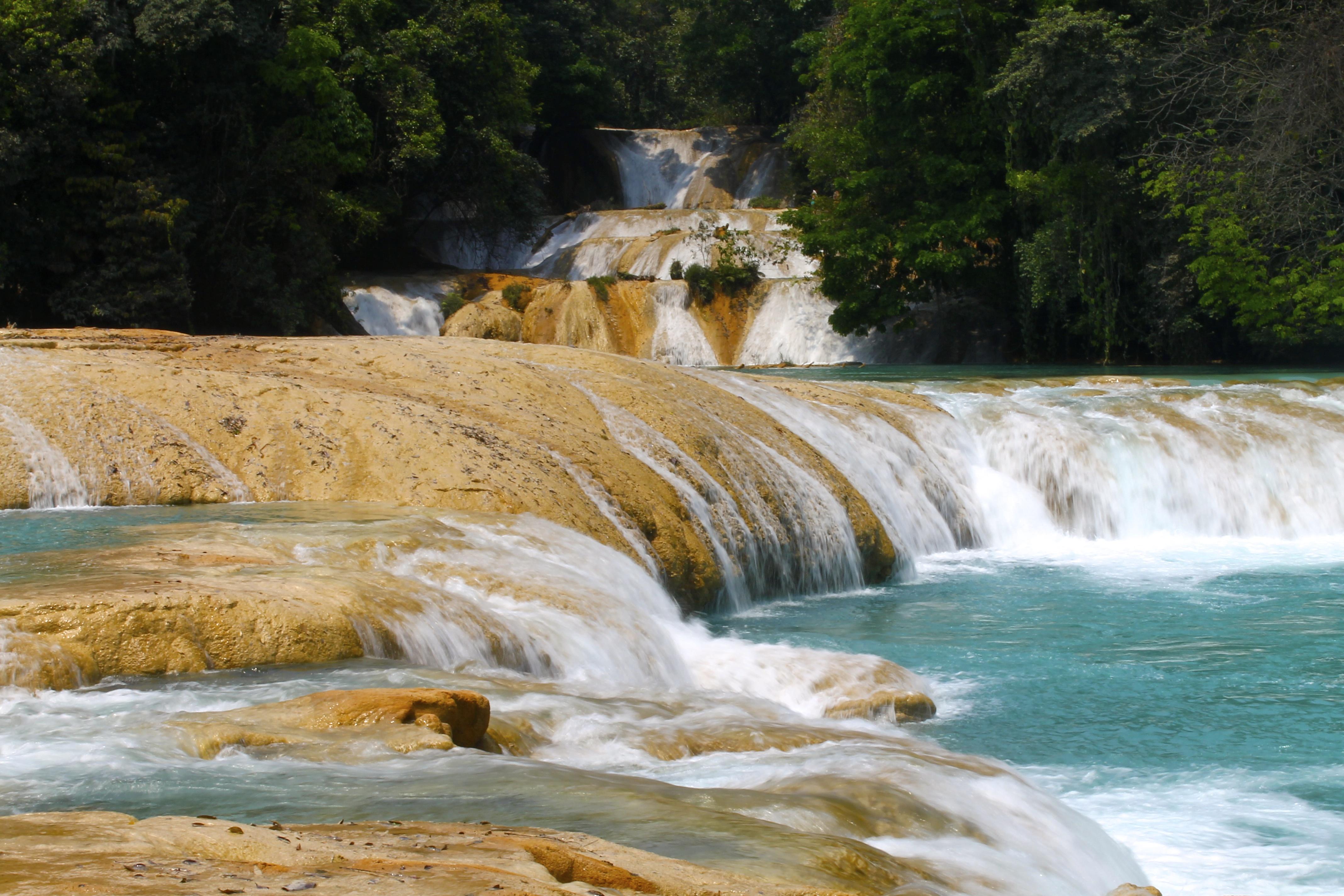 File las preciosas cascadas de agua azul chiapas 01 jpg for Cascadas de agua