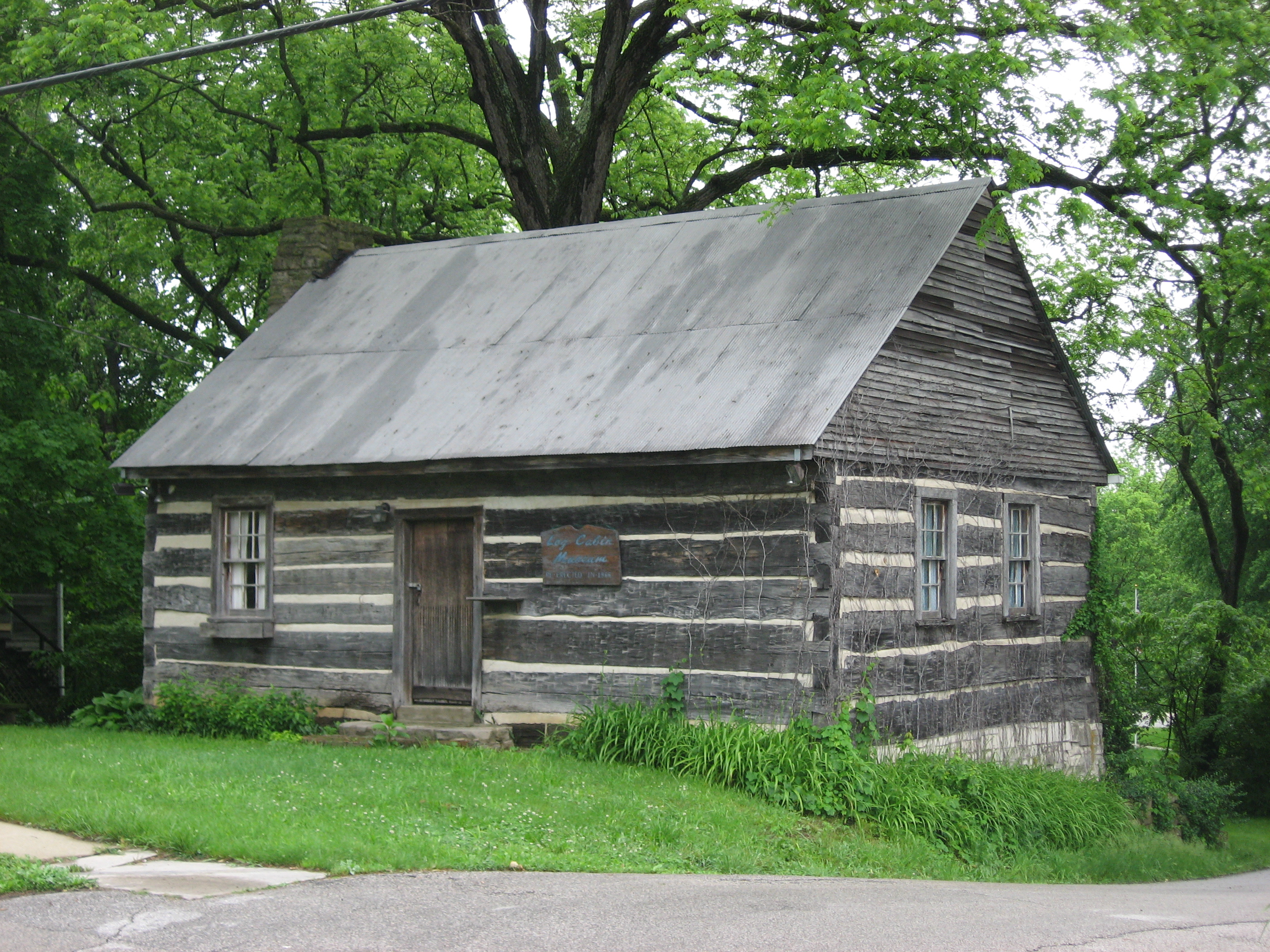 Superb img of Description Log Cabin Museum in Ellettsville.jpg with #608D3E color and 2816x2112 pixels