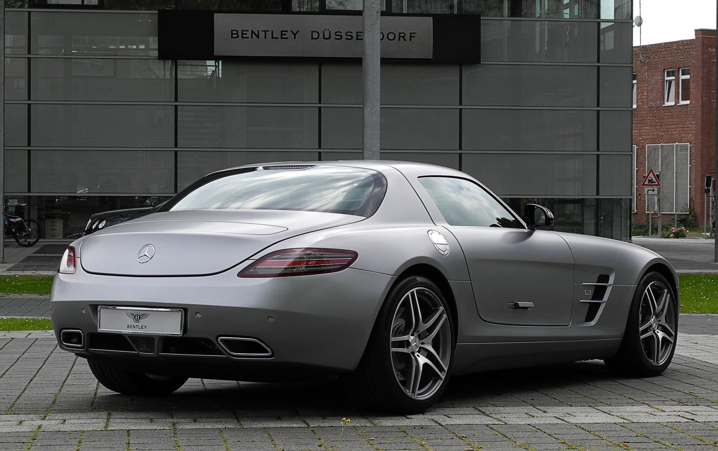 Berkas:Mercedes-Benz SLS AMG (C 197)