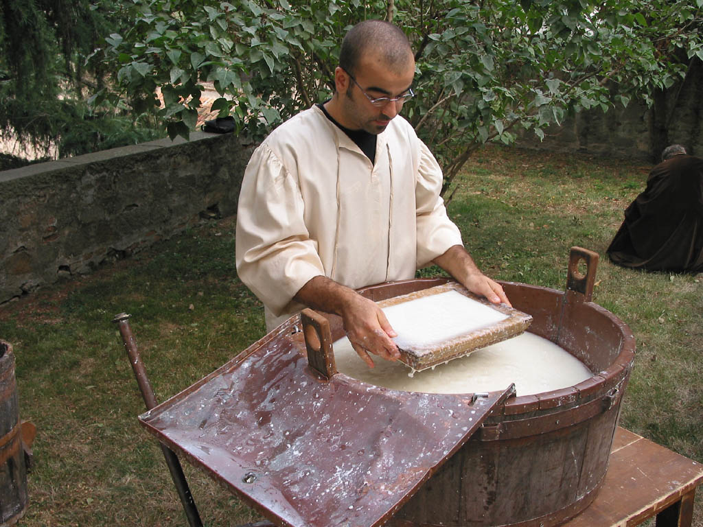 Festa Medivale di Monselice (Sept.) - The Art of Papermaking