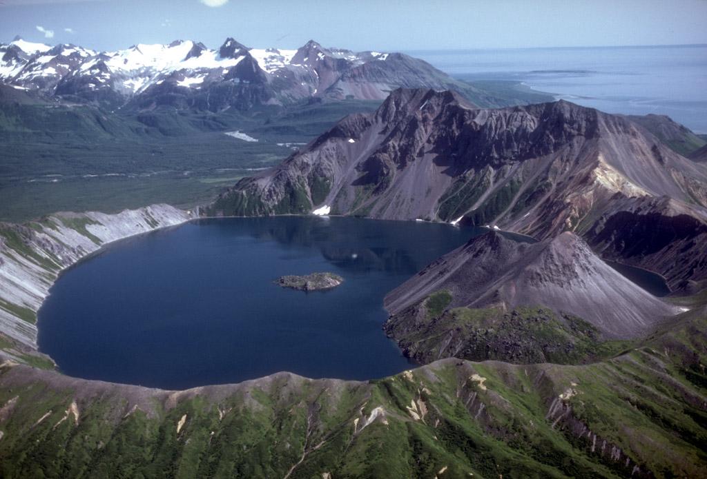 Mount Kaguyak - Wikipedia