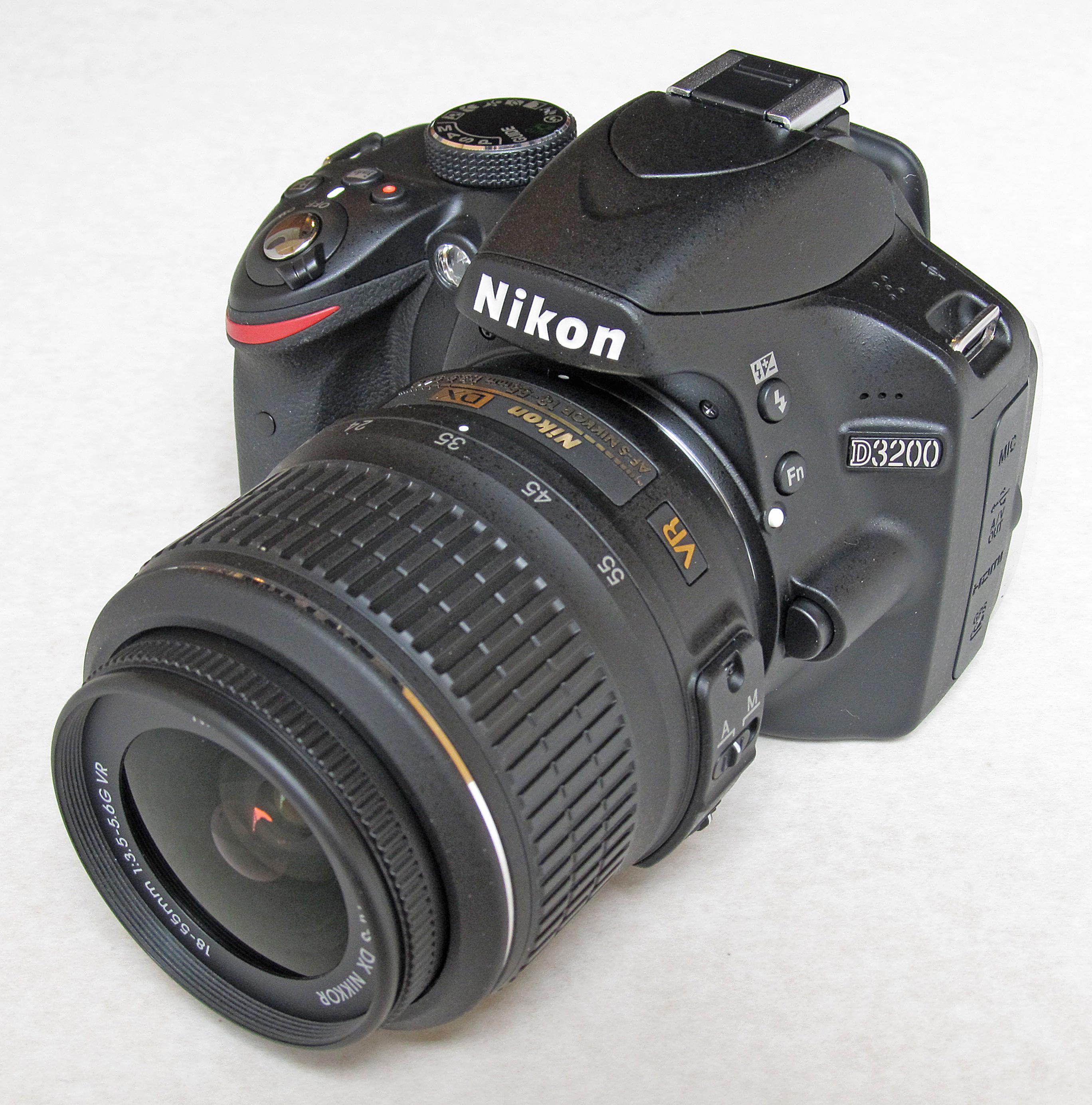 File:Nikon D3200, fron...