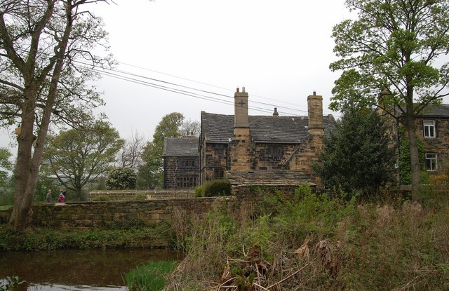 Oakwell Hall and pond - geograph.org.uk - 1254423