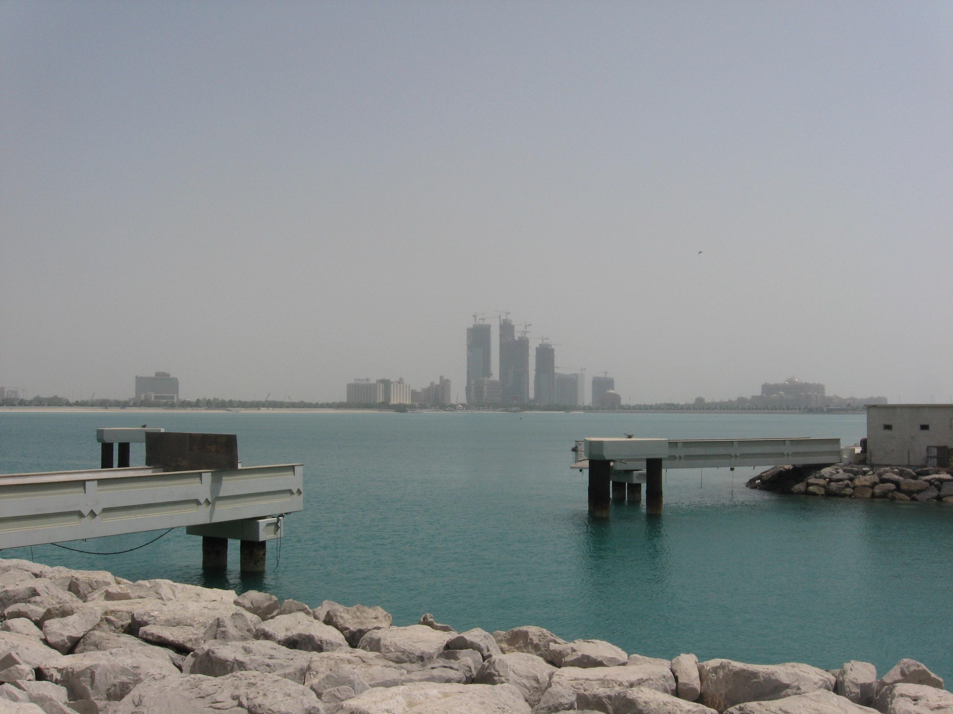 Description Panorama Abu Dhabi 01 977.JPG