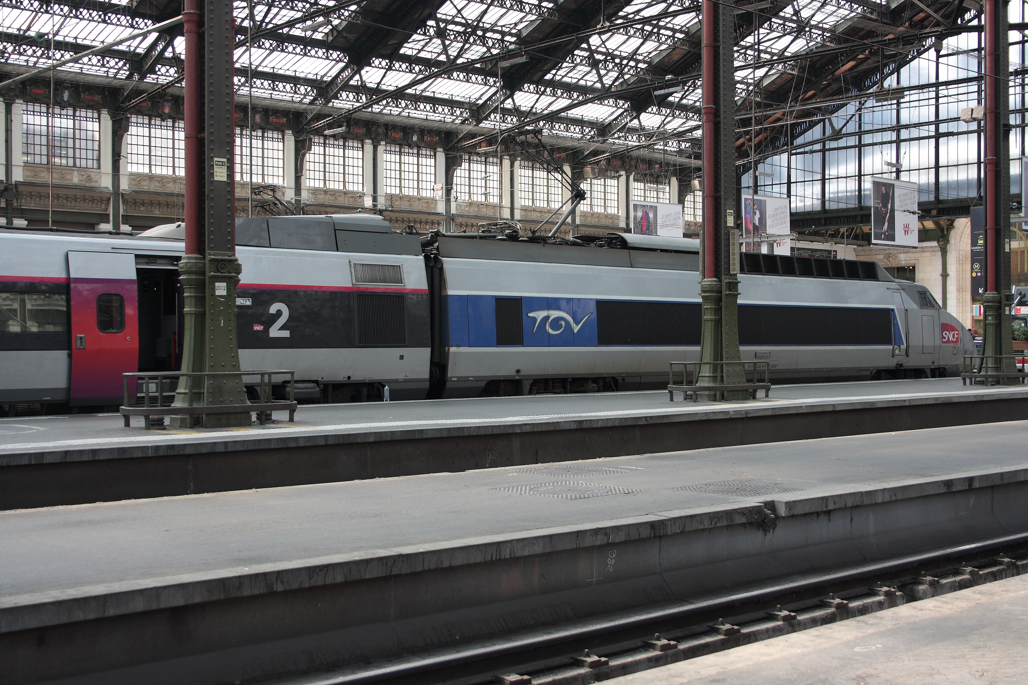 file paris gare de lyon rame tgv sud est 59 jpg wikimedia commons. Black Bedroom Furniture Sets. Home Design Ideas