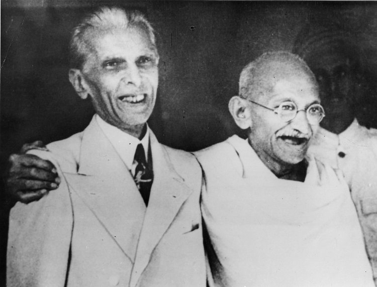 চিত্র:Photograph of Jinnah with Gandhi in 1944 (Photo 429-17).jpg