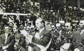 Presidente Arbenz durante su toma de posesión en 1951 en el Estadio de La Revolución.