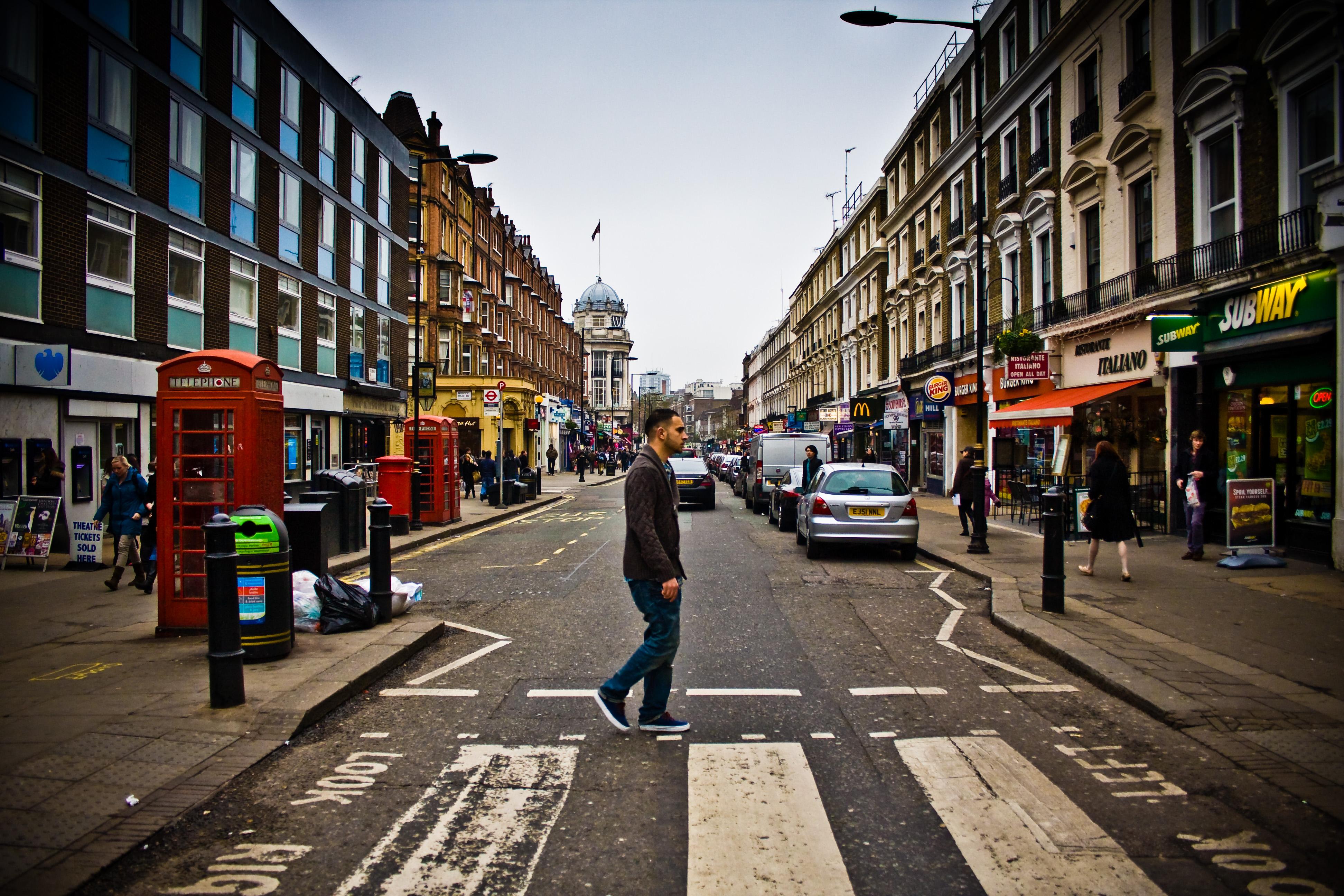 File:Queensway, London.jpg - Wikimedia Commons