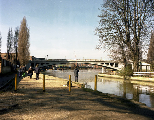 Reading Bridge, River Thames - geograph.org.uk - 482247
