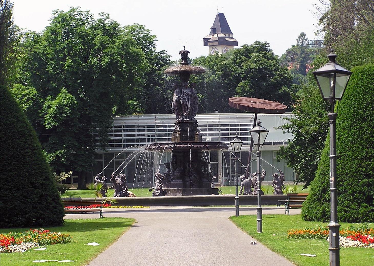 Stadtpark (im Hintergrund der Uhrturm)