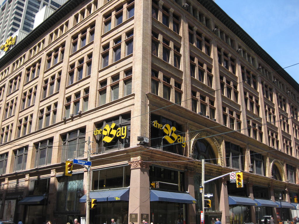 16259bb623eb0 File:The Bay flagship store Toronto 2009.jpg - Wikimedia Commons