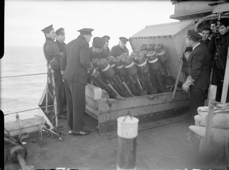 The_Greek_Navy_during_the_Second_World_War_A20923.jpg