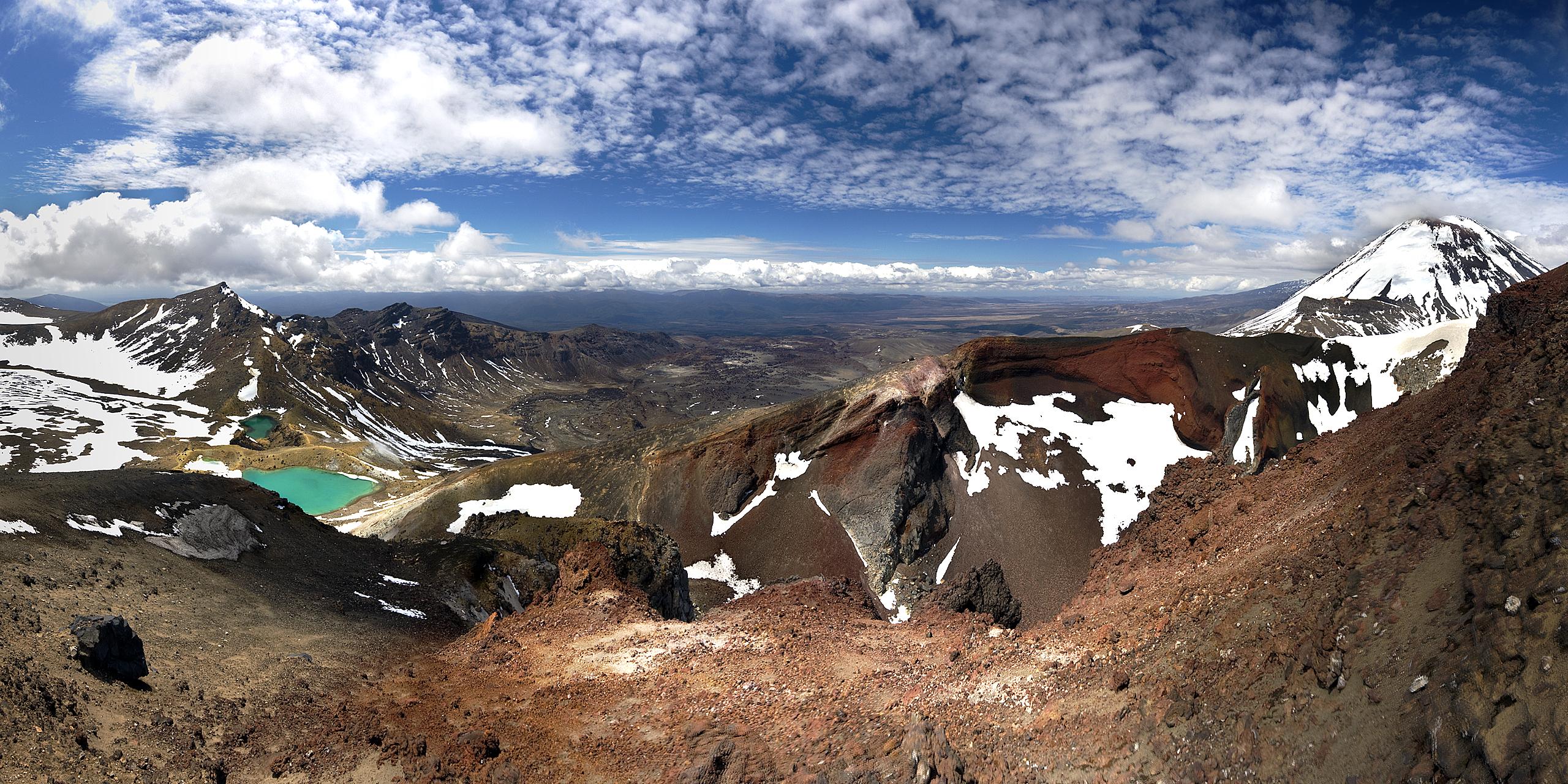 Tongariro Alpine Crossing Winter Tour