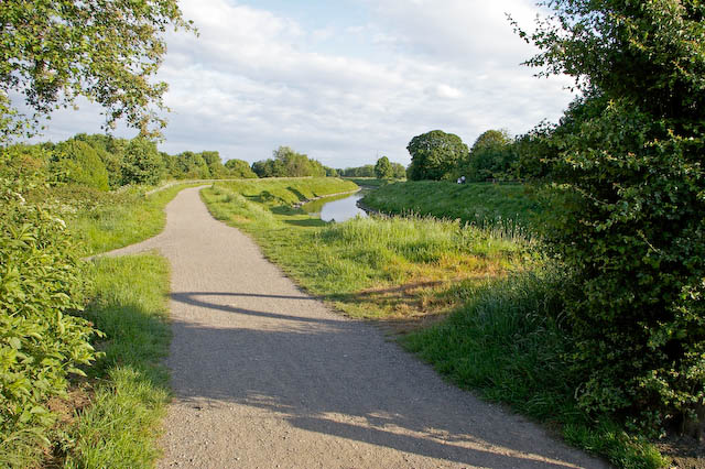 Trans-Pennine Trail beside River Mersey - geograph.org.uk - 447703