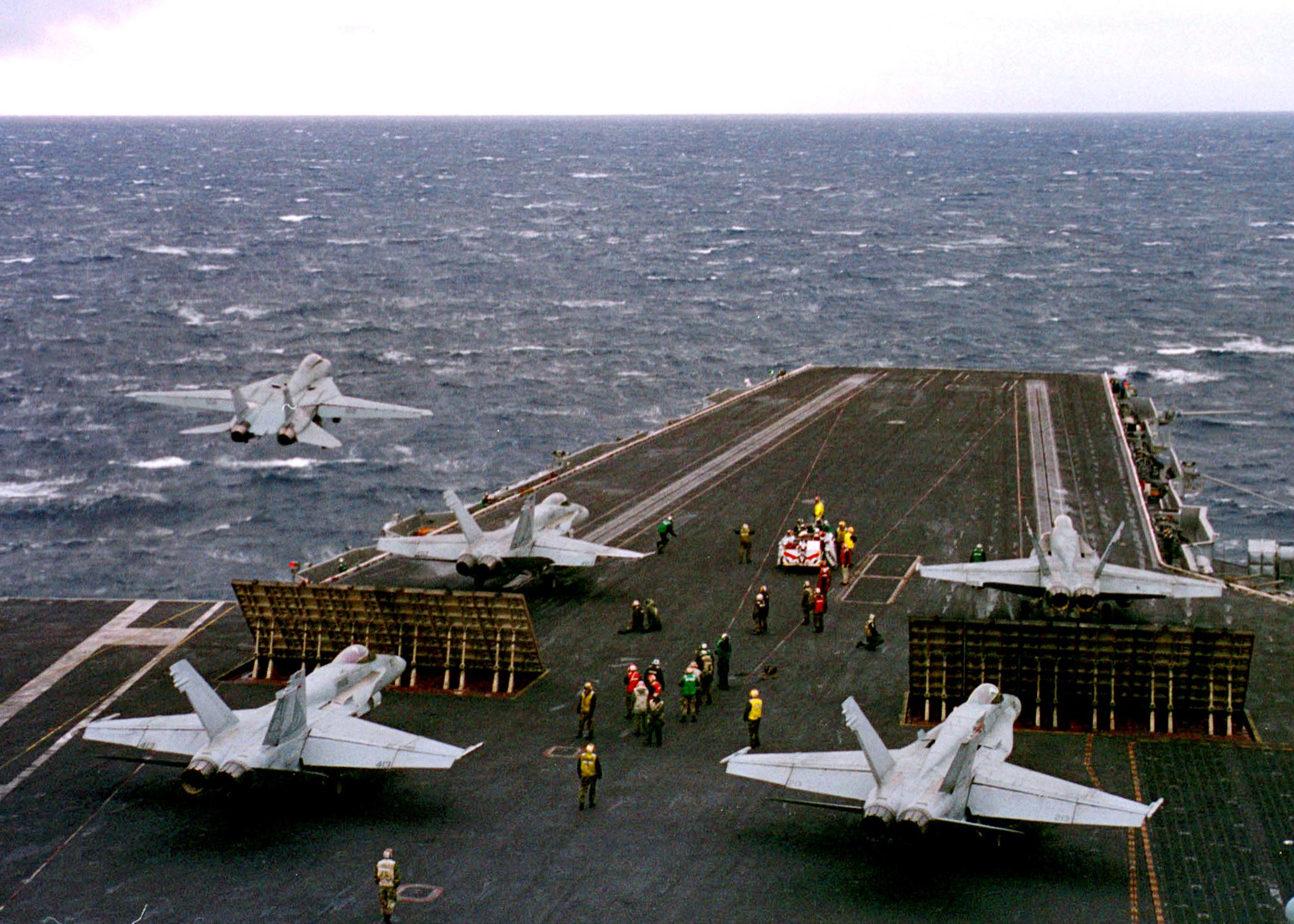 [_Navy,_1999_(DOD_Photo_990223-N-4004O-002)_(290190509)]