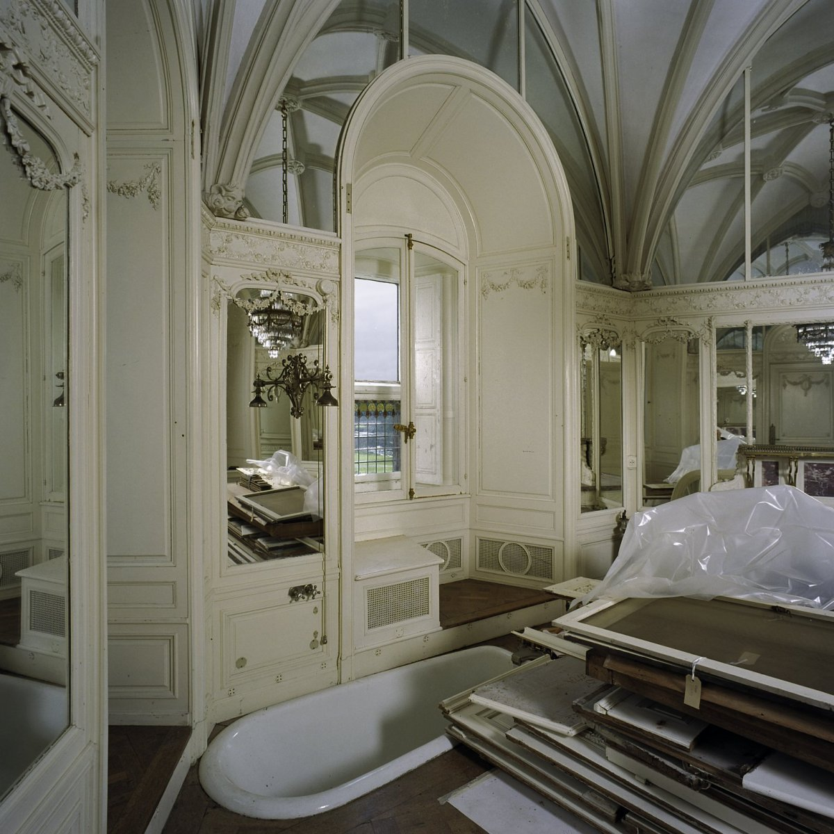 File vertrek badkamer bij kamer 1 interieur met for Kamer interieur