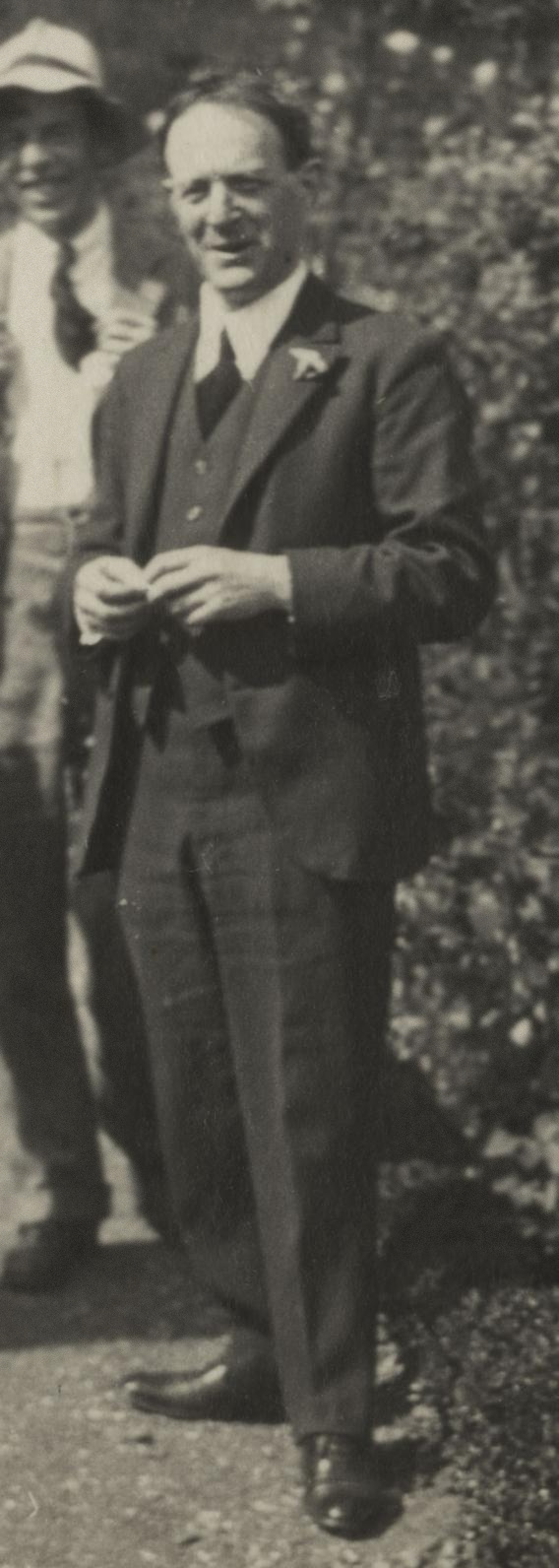 Walter de la Mare in 1924 <br>(photo by [[Lady Ottoline Morrell]])