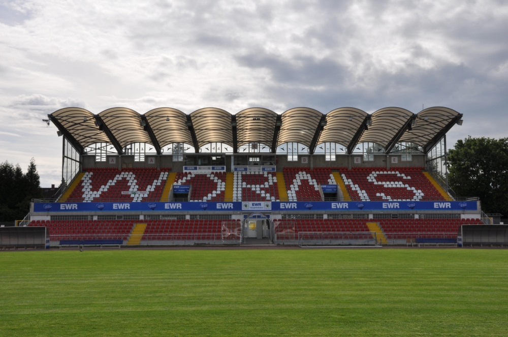 Wormatia-Stadion (Haupttribüne)