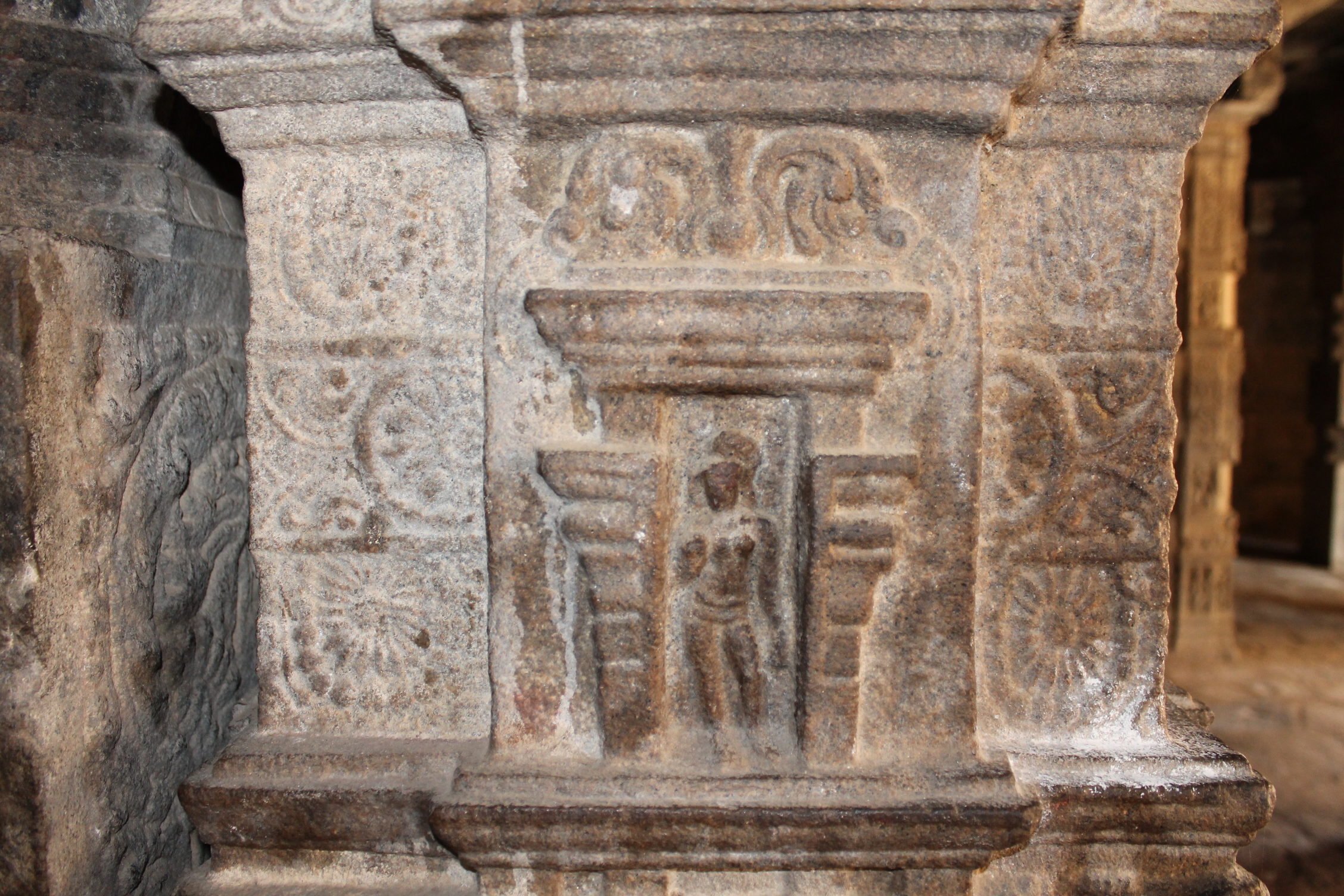 File Beautiful Stone Details On Pillars Of Airavatesvara