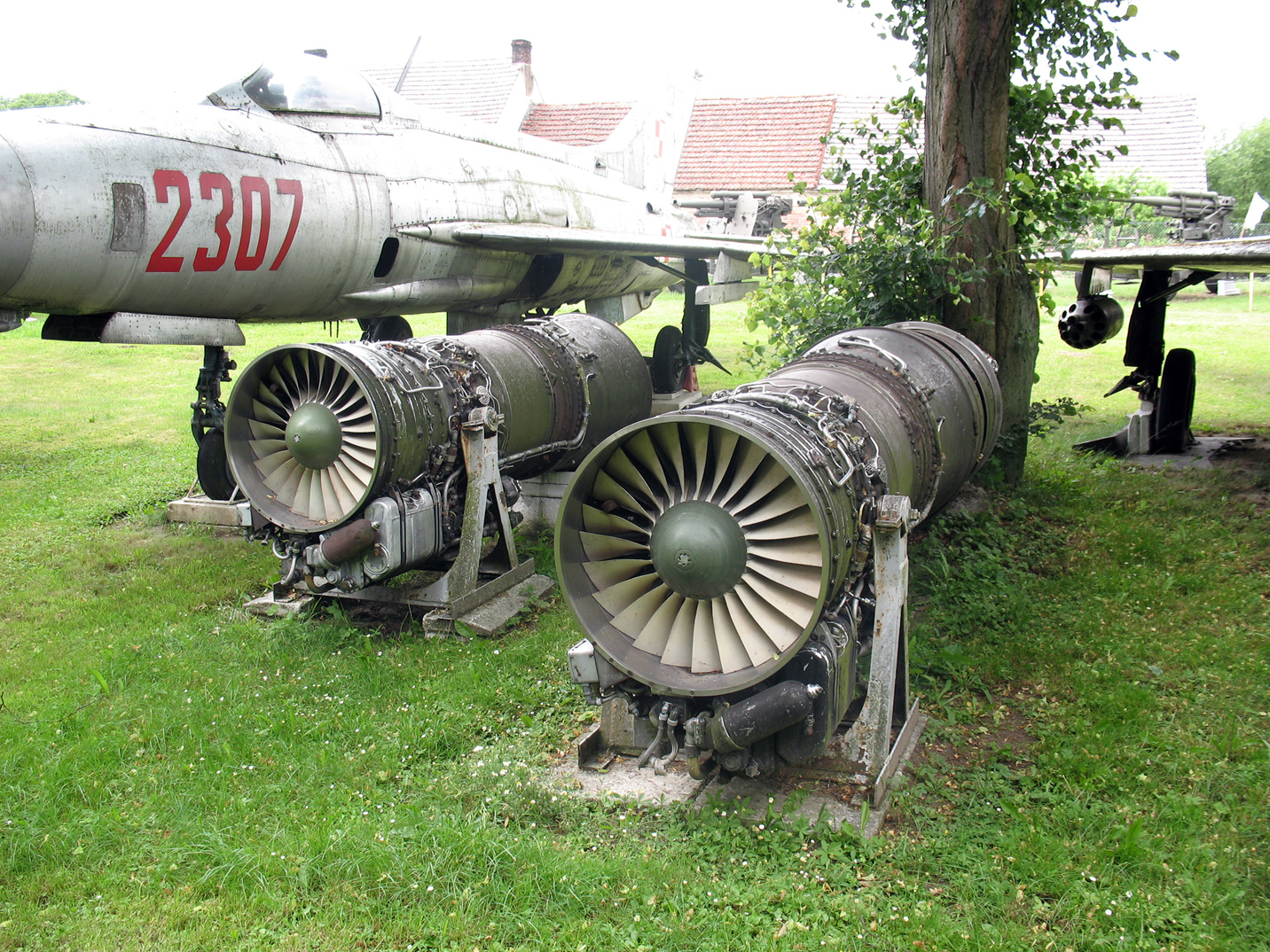 jet engines The jet engine sir frank whittle's jet engine transformed travel the jet engine has allowed millions of people now to do something that was barely thinkable just 70 years ago – crossing the atlantic at speed.
